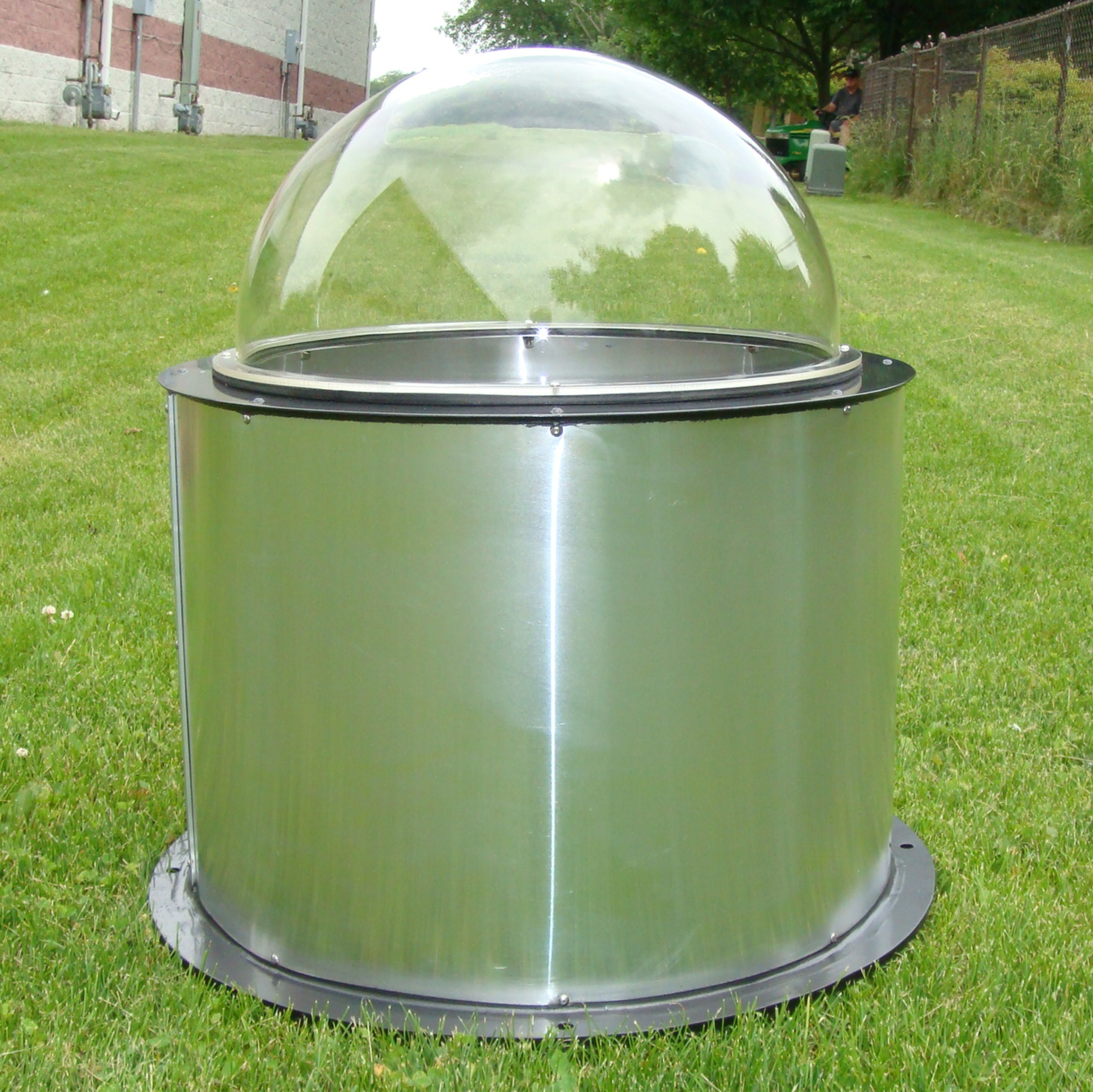 Exterior Dome Enclosures for Moving Yoke Projectors